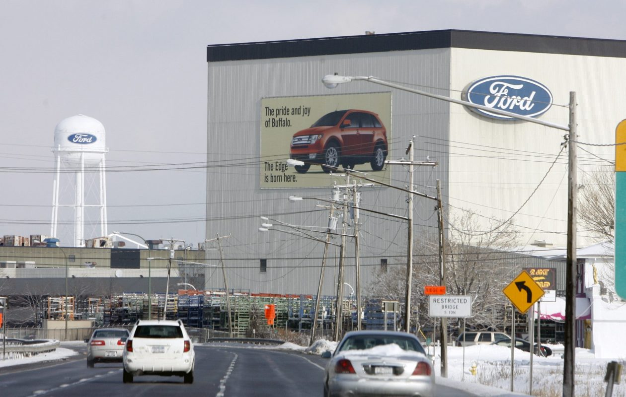 Workers at Ford's Woodlawn plant will receive profit-sharing checks of $7,600. (News file photo)