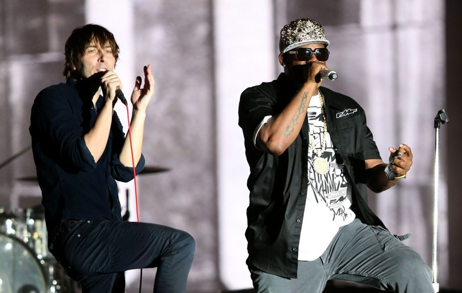 Thomas Mars of Phoenix performs with R. Kelly at the 2013 Coachella Valley Music and Arts Festival.  (Getty Images)