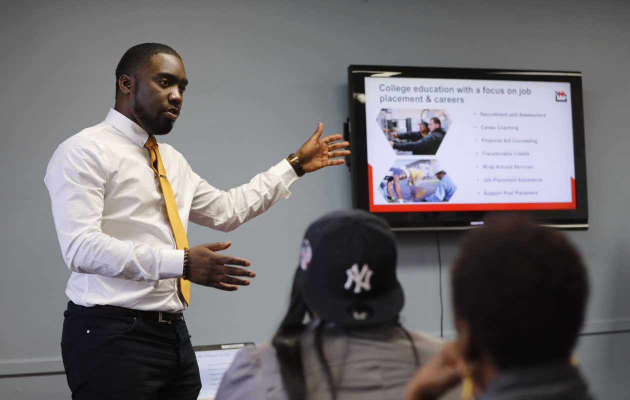 Duncan Kirkwood, the head of recruiting for the Northland Workforce Training Center, leads a session to explain the program to prospective students. (Derek Gee/News file photo)