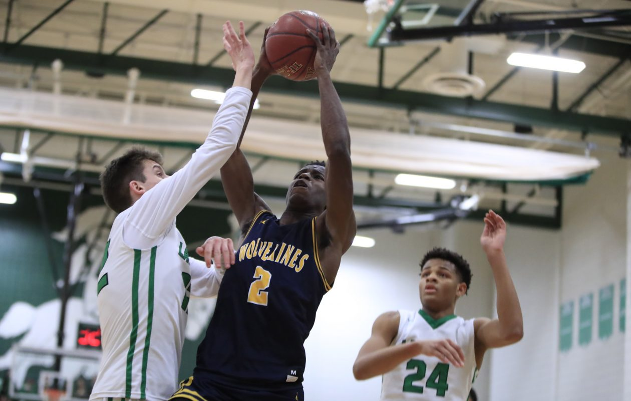 Willie Lightfoot and the Niagara Falls Wolverines maintained their hold on the News' No. 2 ranking in the large schools poll. (Harry Scull Jr./Buffalo News)