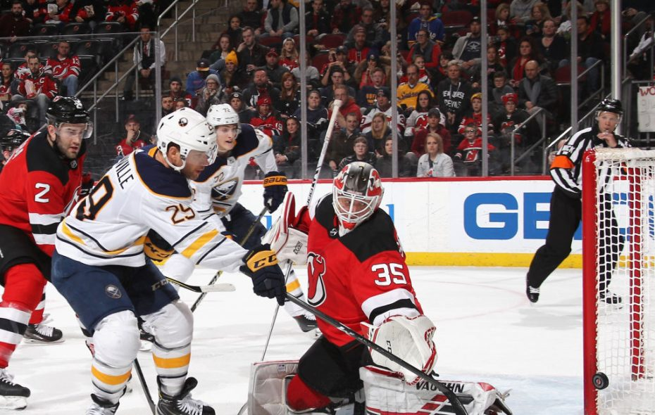 Jason Pominville hits the goalpost on a first-period power play against Devils goaltender Cory Schneider.(Getty Images)