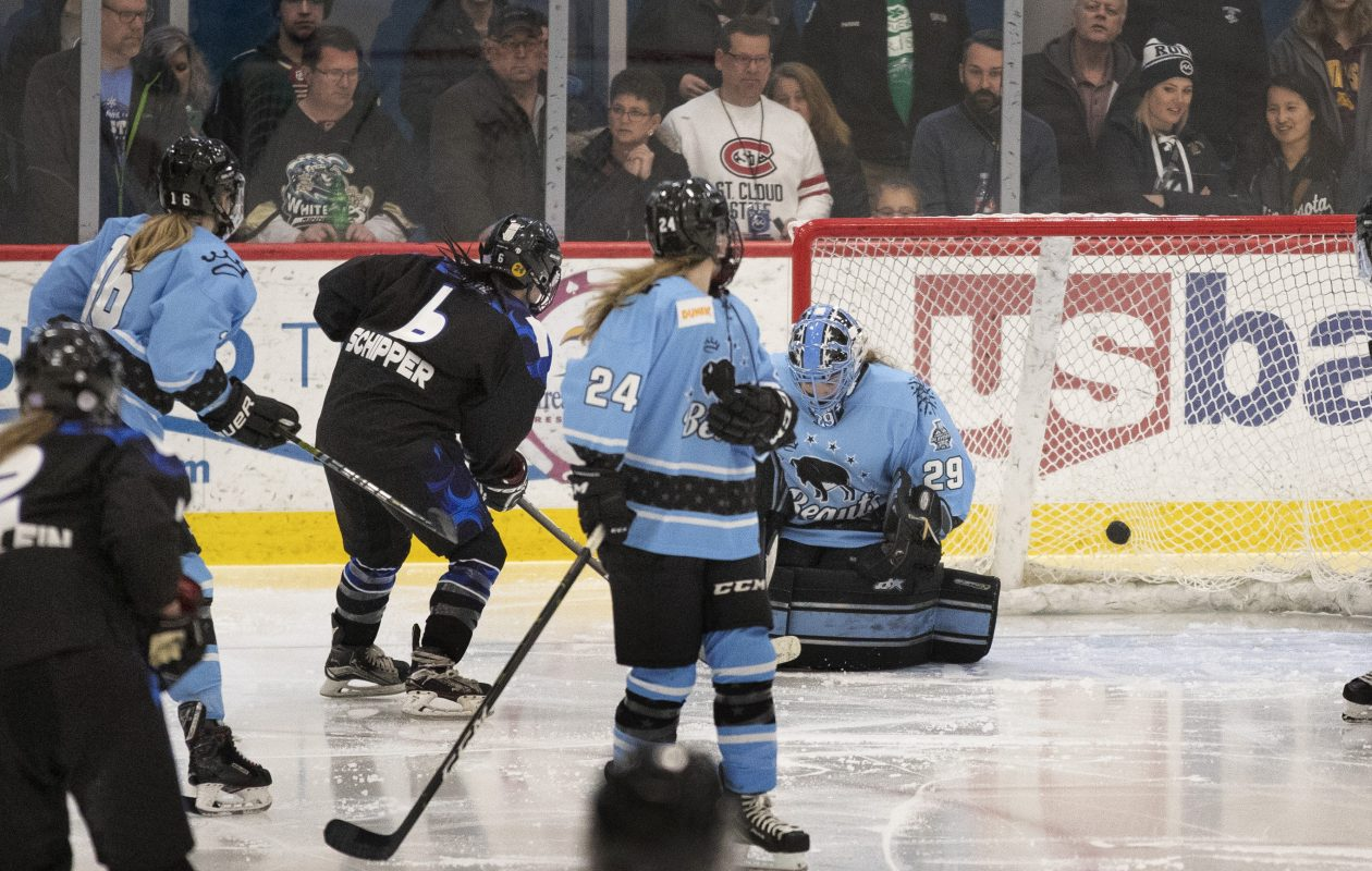 Lee Stecklein (2) scored the winning goal in overtime as Minnesota beat the Beauts in the Isobel Cup final (Jerry Holt, Star-Tribune)