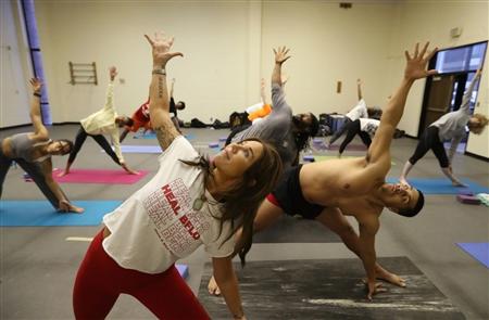 Buff State students take HEAL Bflo's free yoga class