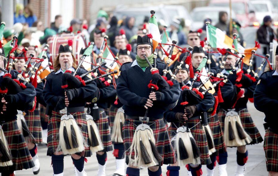 Old Neighborhood Parade turns Old First Ward green