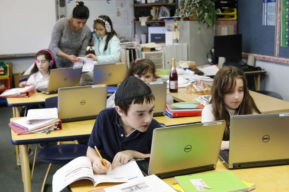 Small, Jewish academy on brink of closing finds partner in