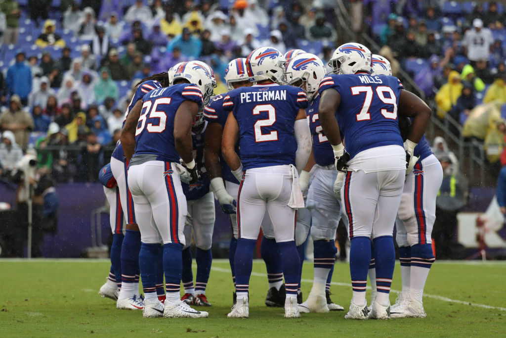 Nathan Peterman #2 of the Buffalo Bills huddles with the offense in the second quarter against the Baltimore Ravens at M&T Bank Stadium on September 9, 2018 in Baltimore, Maryland. (Photo by Rob Carr/Getty Images)
