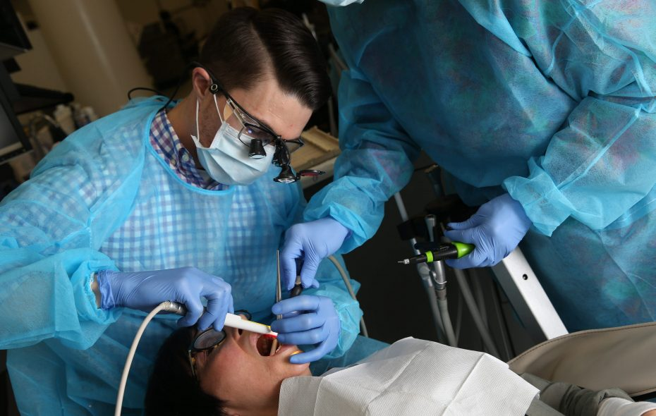 Dentists are among those who wear goggles to protect themselves from substances potentially harmful to their vision. (Sharon Cantillon/News file photo)