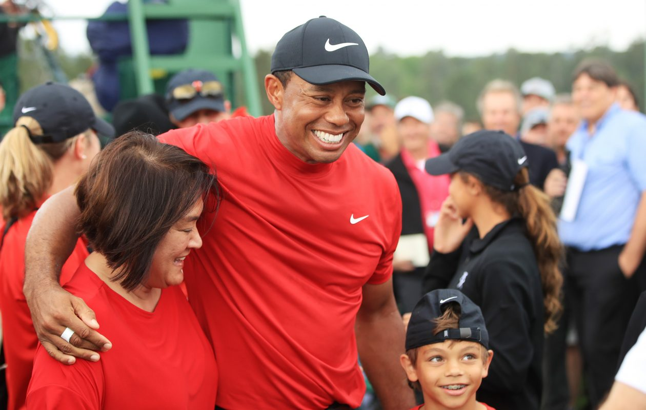 4649ed1621cfc Jim Nantz masterfully captures every moment of Tiger Woods  comeback ...
