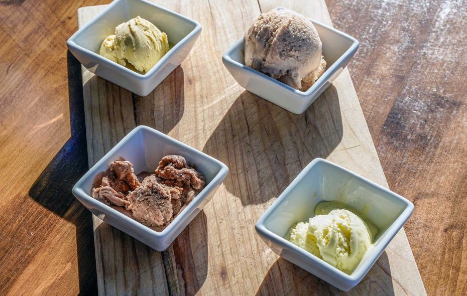 Carte Blanche in Hamburg serves up ice cream tasting flights with a rotating lineup of unexpected flavors and pairings. (Dave Jarosz)