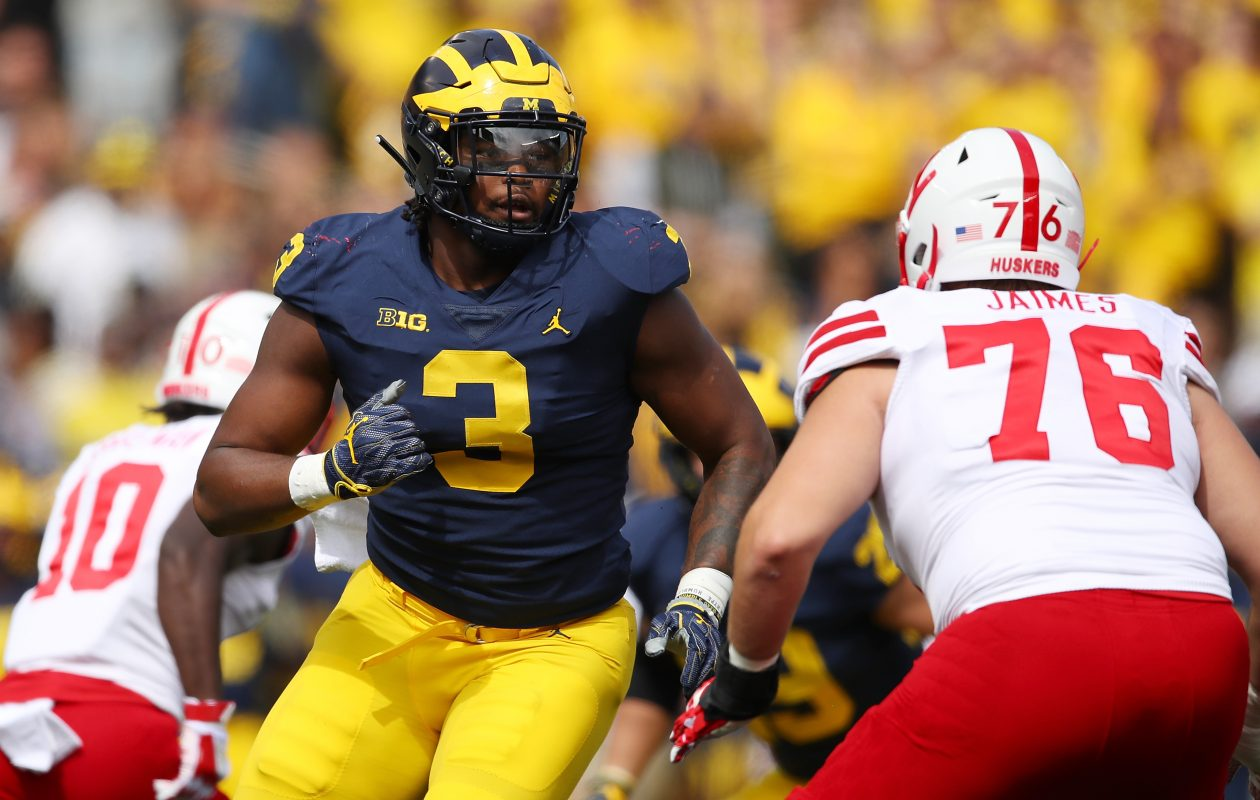 Michigan defensive end Rashan Gary (3) would fill one of the Buffalo Bills' biggest remaining needs. (Getty Images)