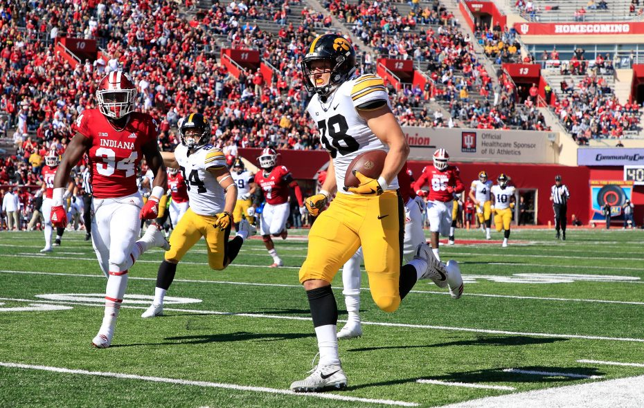 Iowa's T.J. Hockenson runs for a touchdown against Indiana on Oct. 13, 2018, in Bloomington, Ind. (Andy Lyons/Getty Images)
