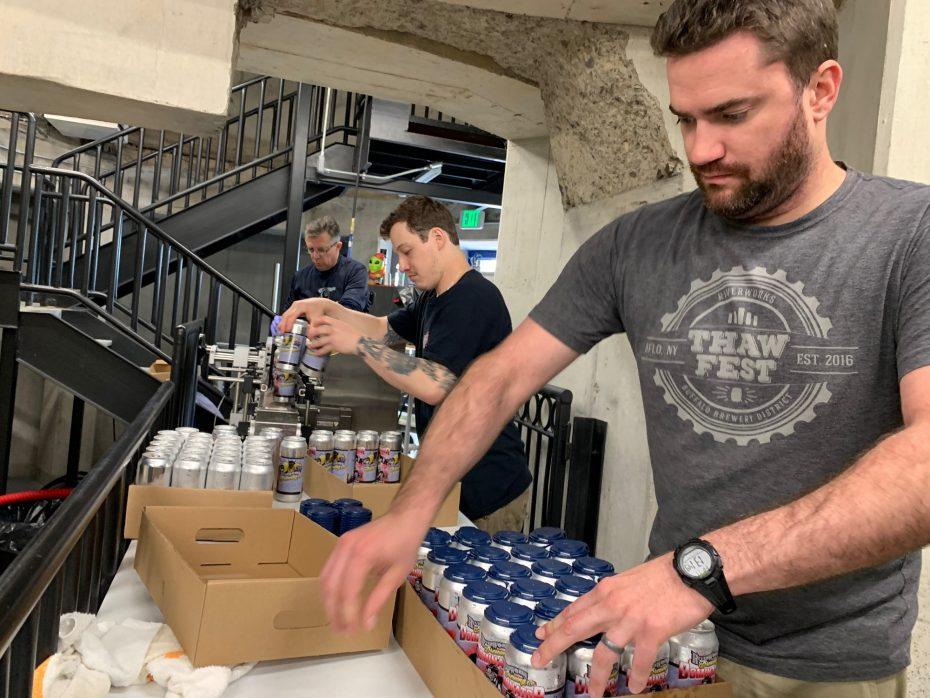 Dominator - une bière inspirée du hockey par RiverWorks - pour soulever les héros de Hasek - The Buffalo News  - Fabrication de bière 2
