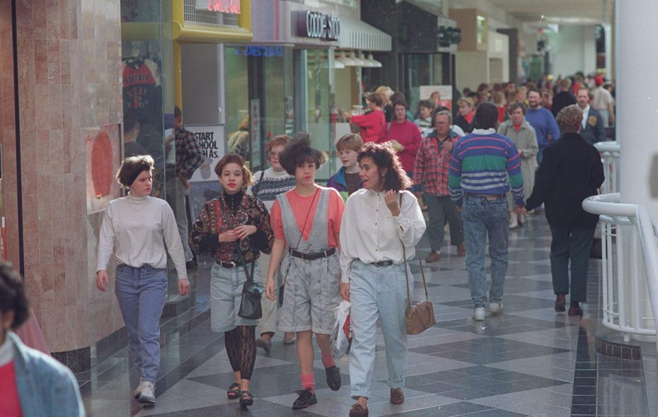 Shoppers make their way along a crowded second floor promenade at the Walden Galleria in Cheektowaga in 1990. (Buffalo News file photo)