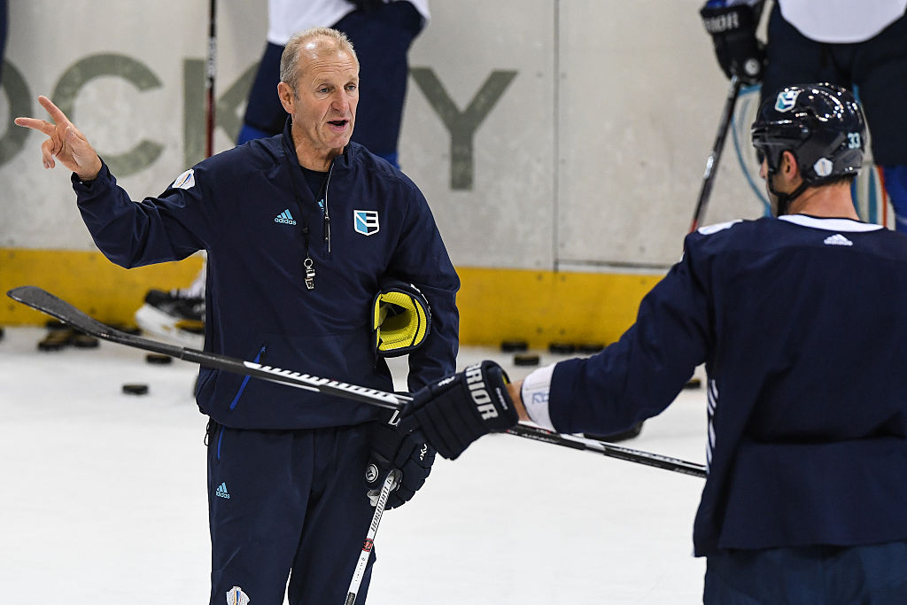 Should the Sabres hesitate to hire a retread coach?