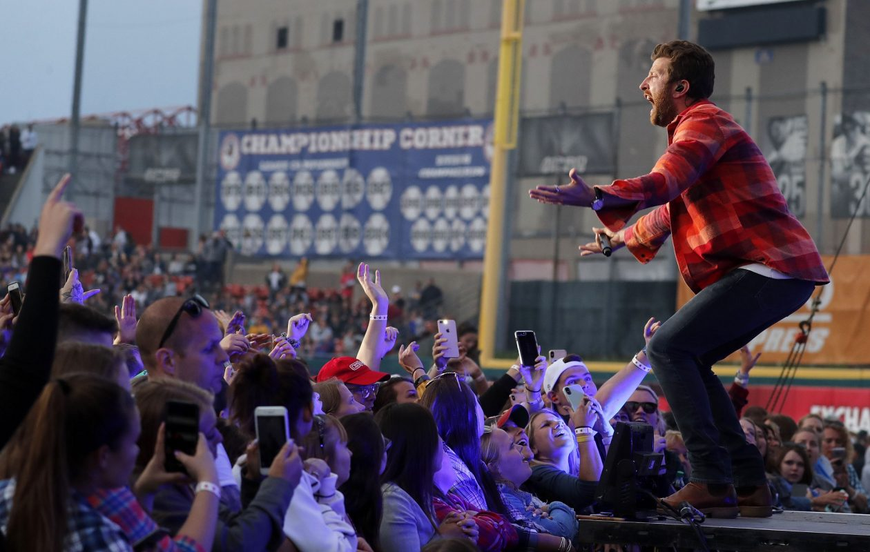 Brett Eldredge was one of the biggest names on Taste of Country's 20th anniversary bill. (Mark Mulville/Buffalo News)