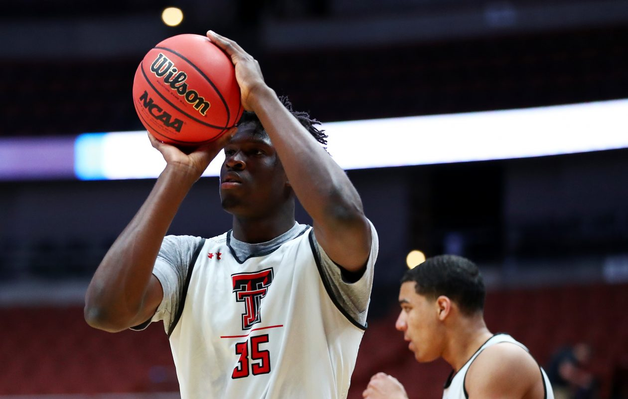 Josh Mballa is transferring from Texas Tech to UB (Yong Teck Lim/Getty Images)