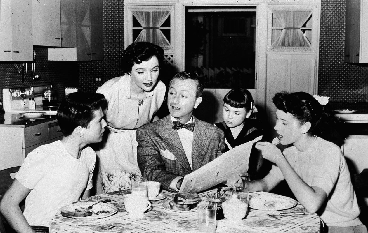 'Father Knows Best' about most things. But when it comes to Father's Day gifts, Discount Diva steps in. (NBC Television/Getty Images)