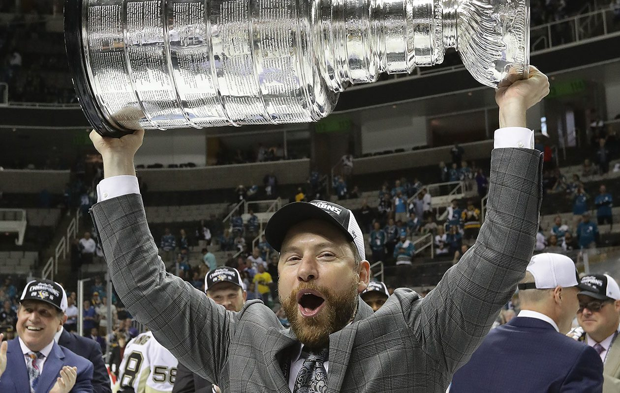 Mike Bales hoists the Stanley Cup in 2016. (Getty Images)