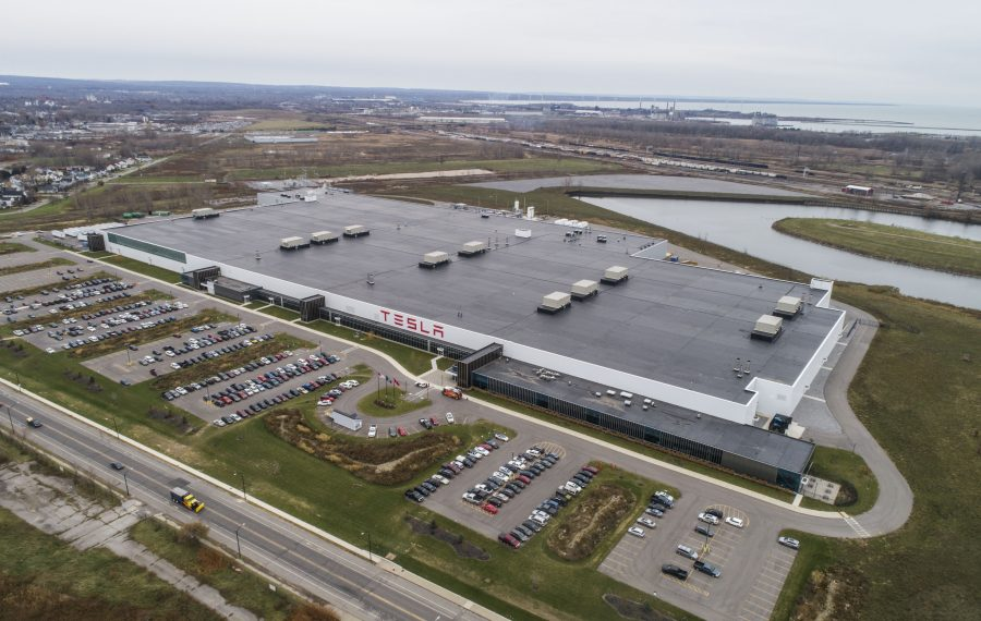 Two unions are attempting to organize workers at Tesla's plant. (Derek Gee/Buffalo News)