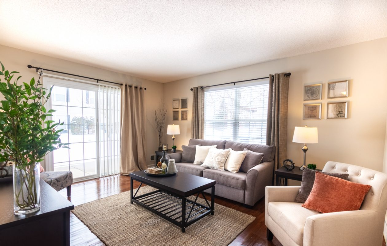 Located in a park-like setting with convenient access off the I-990, Autumn Creek Apartments offer luxury living spaces and many amenities for those who want the comforts of home without the upkeep.