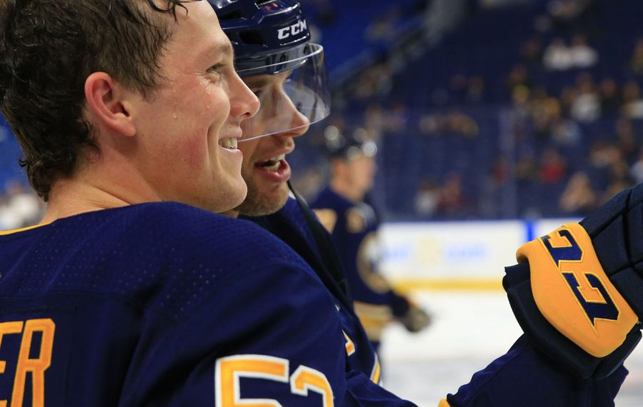 Jeff Skinner with Jason Pominville. (Sharon Cantillon/News file photo)