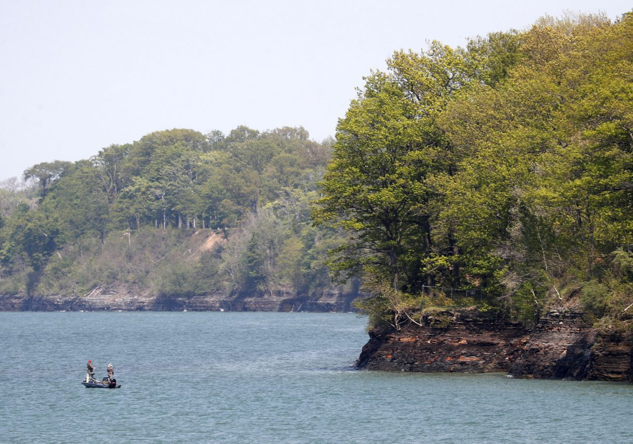 24-year-old Jamestown man drowns in Lake Erie – The