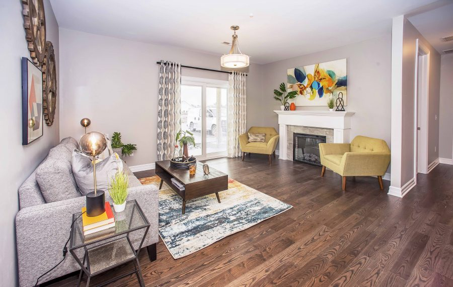Situated along the Onondaga Escarpment, the Villas at Windstone are close to the shopping and dining in the Village of Williamsville.