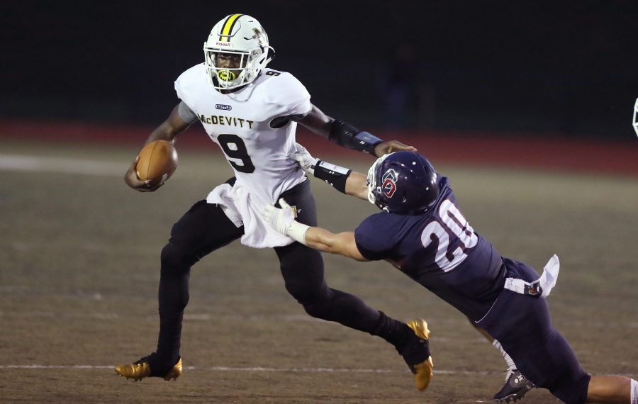 Lonnie Rice, left, of Bishop McDevitt, has committed to UB.  (Charles Fox/Philadelphia Inquirer)
