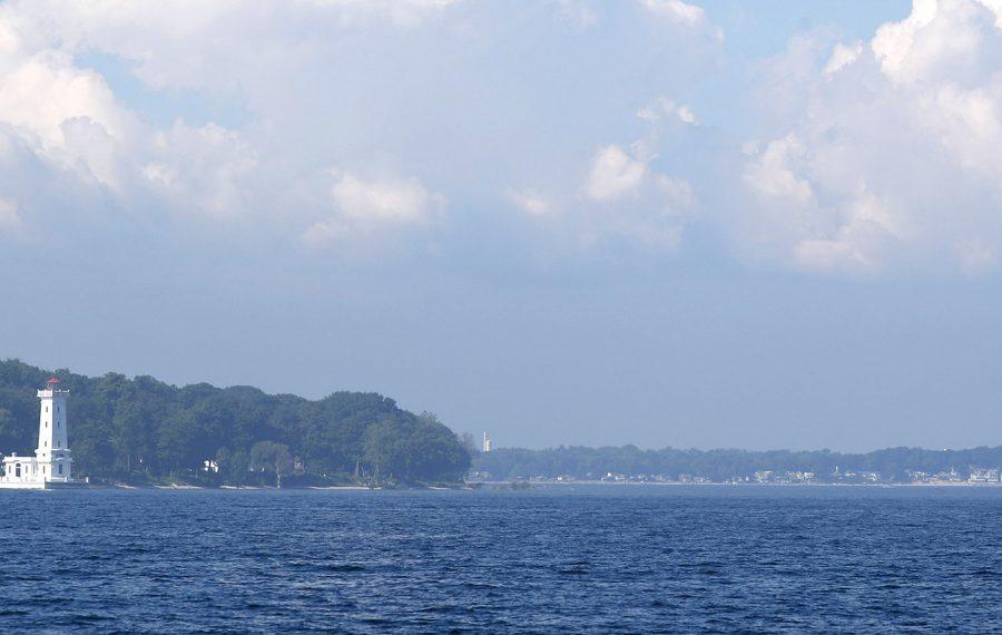 Afternoon sun illuminates the lighthouse at Point Abino, Ont. (Sharon Cantillon/News file photo)