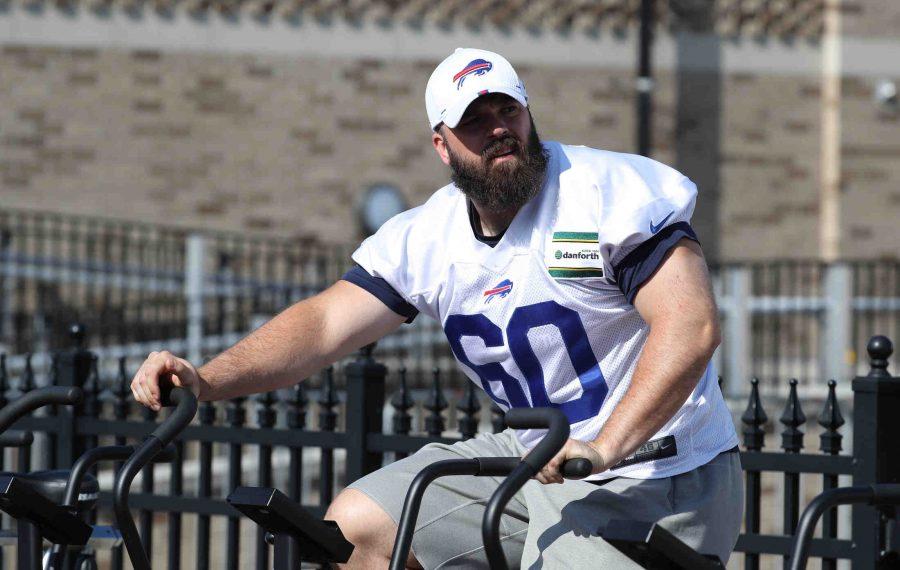 Buffalo Bills center Mitch Morse remains in the concussion protocol. (James P. McCoy/Buffalo News)