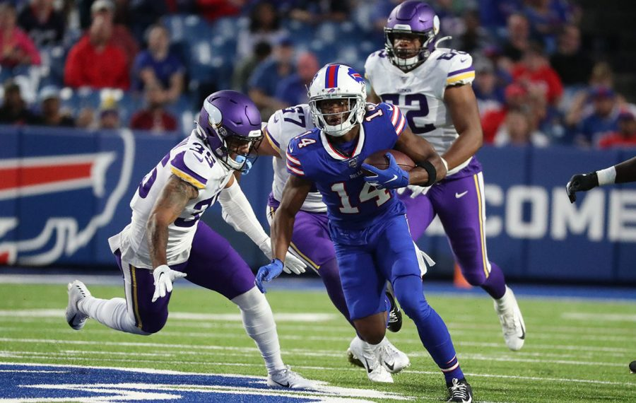 Former Bills wide receiver Ray-Ray McCloud catches a pass against Minnesota Vikings defensive back Isaiah Wharton. (James P. McCoy/Buffalo News)