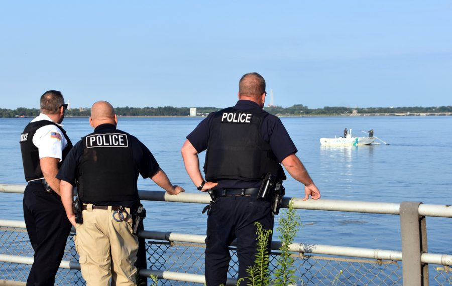 Police work to recover a body in the Niagara River Wednesday morning. (Photo by Larry Kensinger)