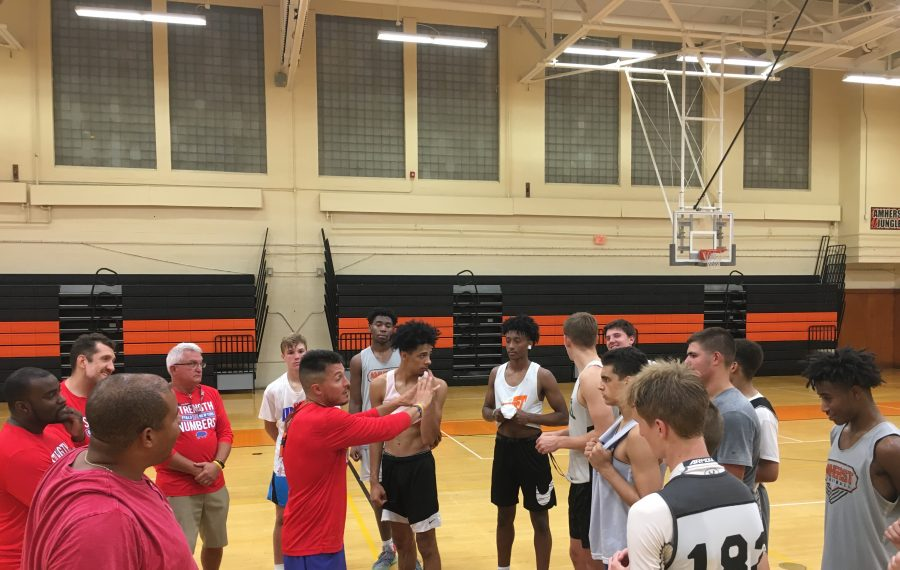 The Buffalo team coached by Amherst's Chris Kensy is the defending champion heading into this weekend's BCANY Summer Hoops Festival. (Jonah Bronstein/Buffalo News)