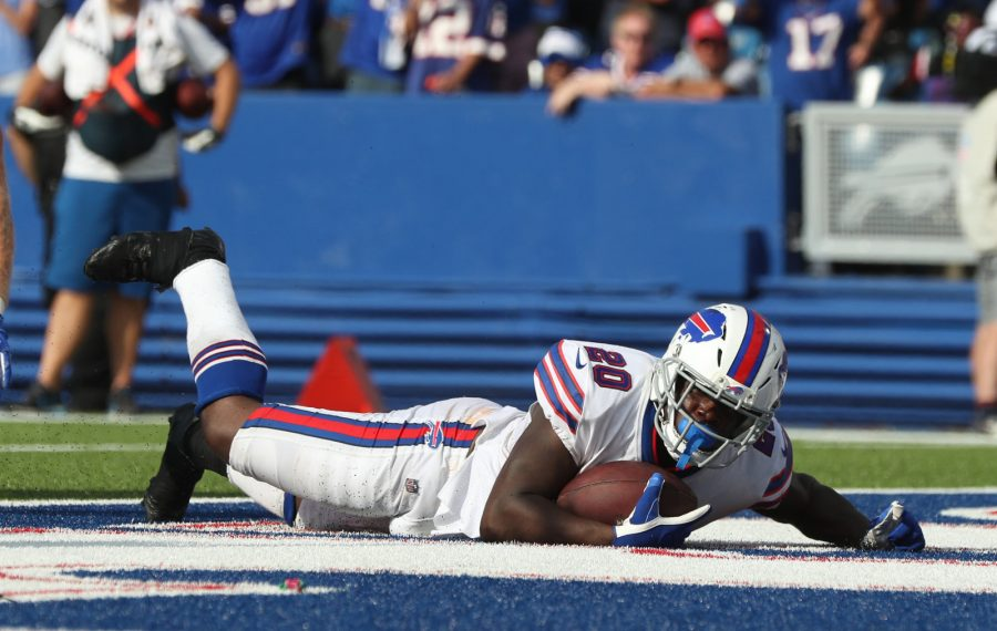 Frank Gore rushes for a touchdown in the fourth quarter to help beat the Cincinnati Bengals 21-17 at New Era Field. (James P. McCoy/Buffalo News)