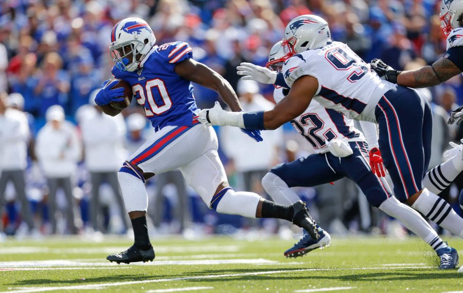Bills running back Frank Gore surpassed 15,000 career rushing yards Sunday. (Derek Gee/Buffalo News)