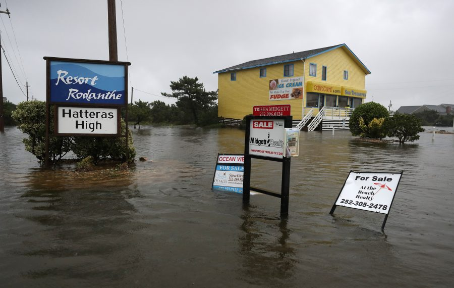 Roads flood in Rodanthe, N.C., as Hurricane Dorian hits the area on Sept. 6, 2019. (Mark Wilson/Getty Images)