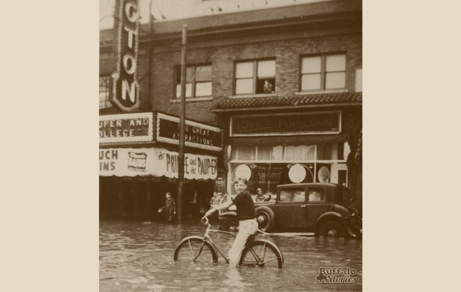 Flooding outside the Shea's Kensington theater at Bailey and Kensington in 1937.