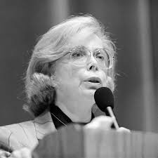 Dr. Joyce Brothers speaks at Cornell University in 1988. (Photo by Kenneth C. Zirkel)