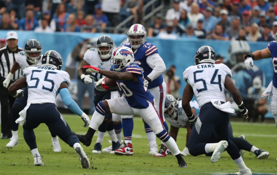 Frank Gore rushes for a first down against Tennessee. (James P. McCoy/Buffalo News)