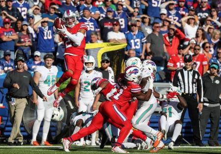 McCoy-Sports-Bills-Miami-Buffalo Bills-cornerback-Micah Hyde