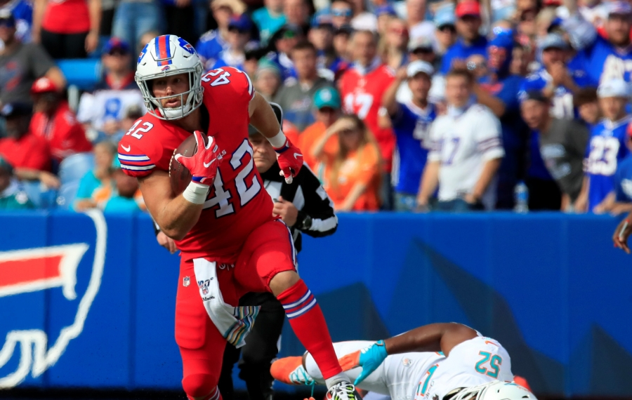 Bills fullback Patrick DiMarco runs after a catch against the Miami Dolphins during the first quarter. (Harry Scull Jr./Buffalo News)