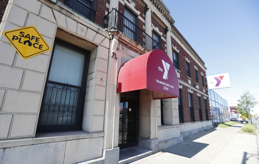The Delaware Family YMCA in Buffalo would close if the YMCA goes ahead with plans to build a larger replacement. (Mark Mulville/Buffalo News)