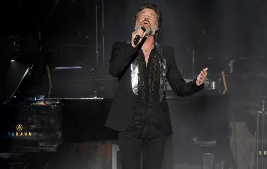 Rufus Wainwright, pictured performing in Los Angeles, Calif., will play Babeville this weekend. (Getty Images)