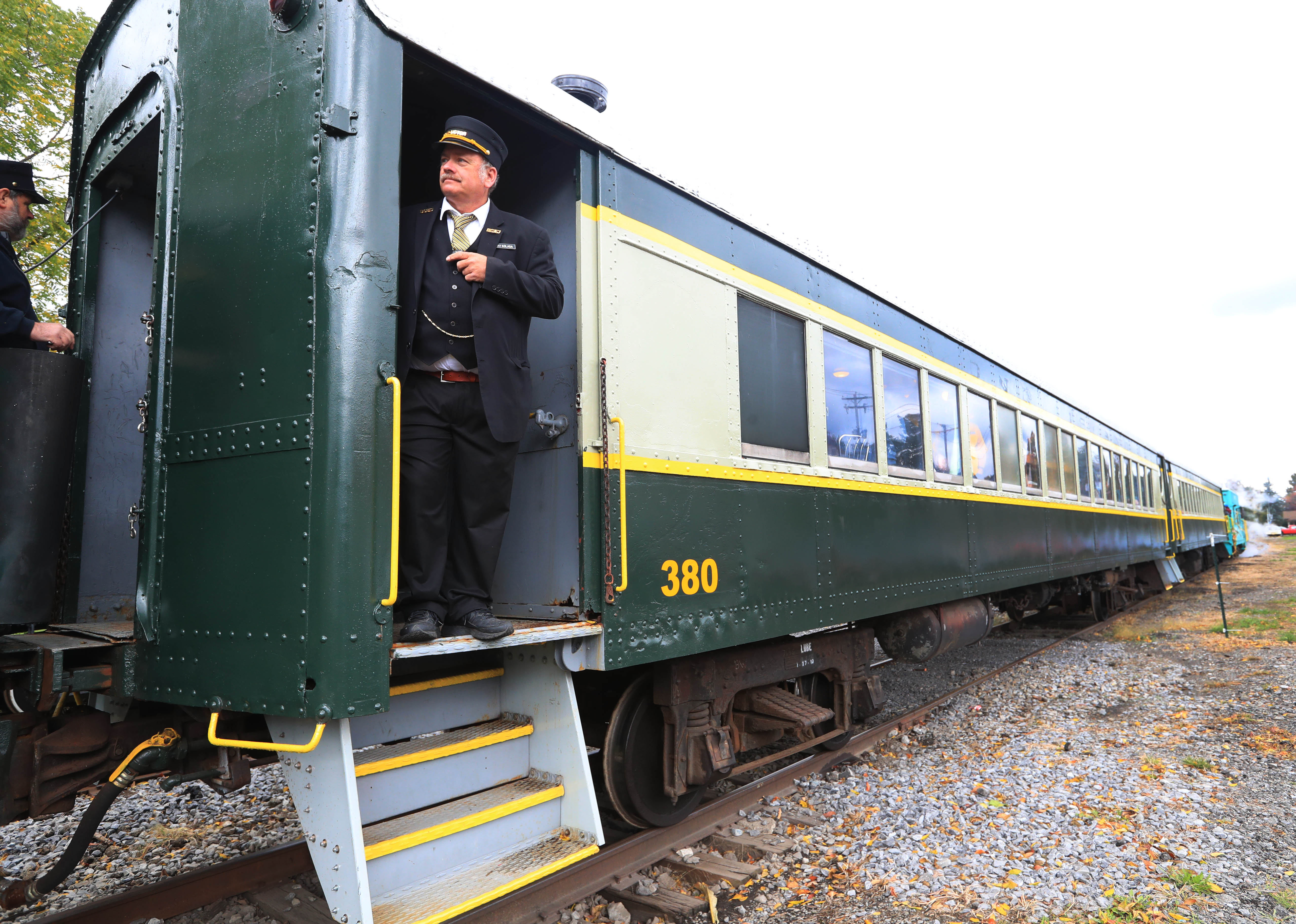 Vintage Train Rides Offered At A Discount For Veterans The Buffalo