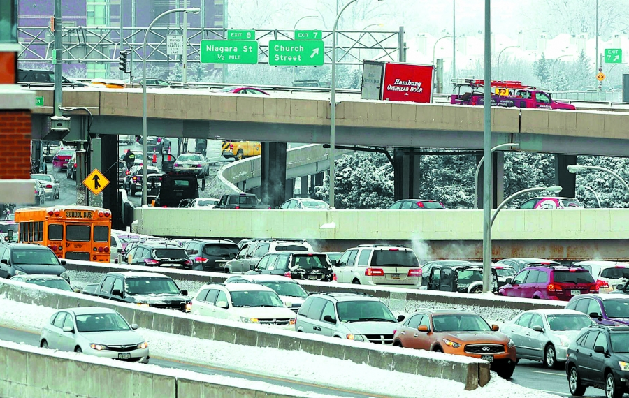 Weekend ramp, lane closings to affect 33, 198, I-190 and I-290