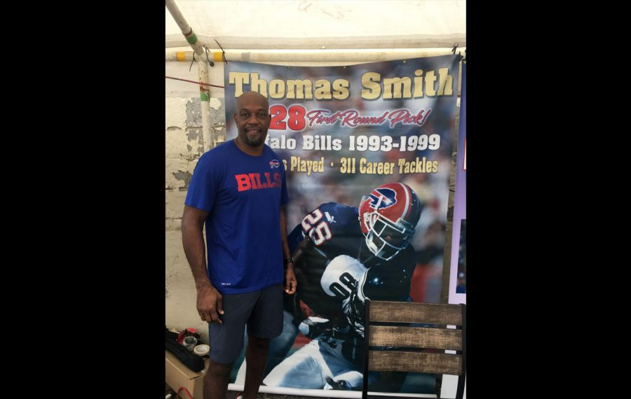 Thomas Smith met with Bills fans at Jimmy's Old Town Tavern in Herndon, Va., on Sunday.