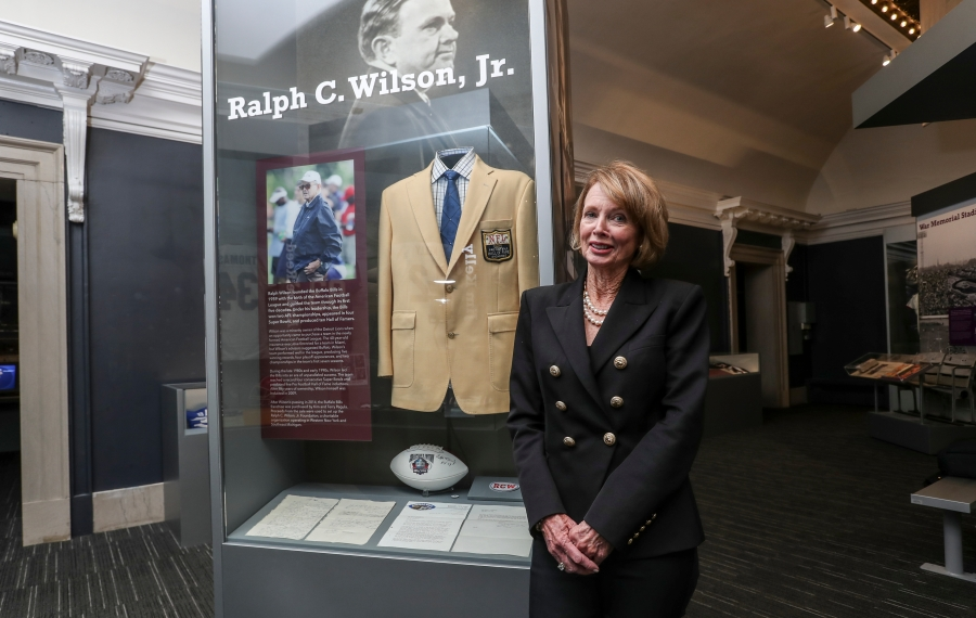 """Mary Wilson visited the Buffalo History Museum for """"An Evening With An Icon"""" to talk about her late husband, the Bills and the work she and the foundation are doing in Buffalo. (James P. McCoy/Buffalo News)"""