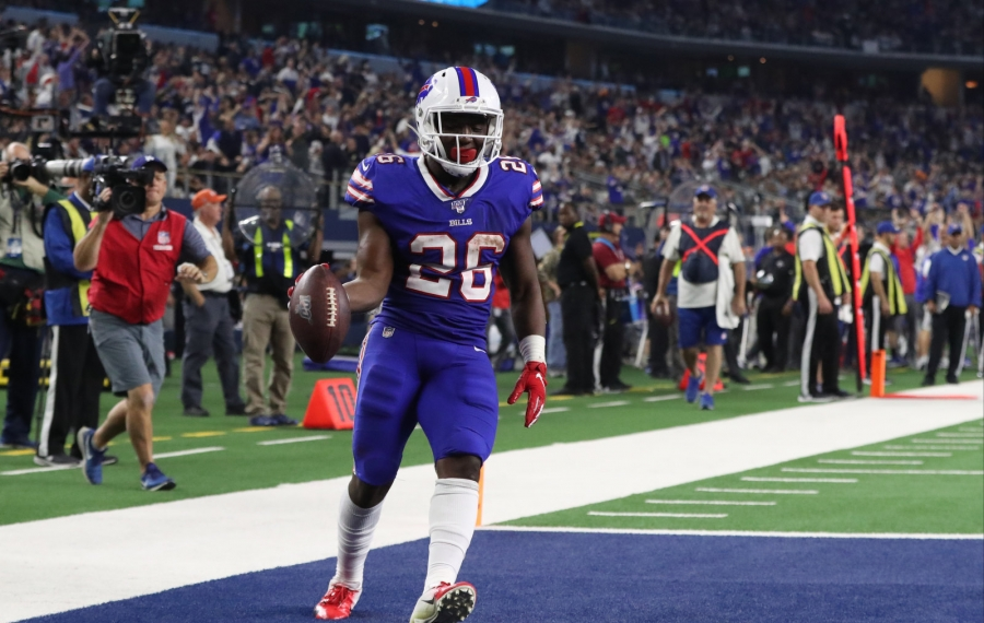 Buffalo Bills running back Devin Singletary (26) catches a pass for a touchdown in the second quarter Thursday. (James P. McCoy/Buffalo News)