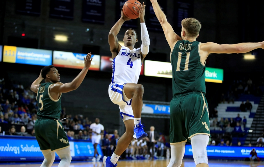 Jayvon Graves powers UB men's basketball past William Mary