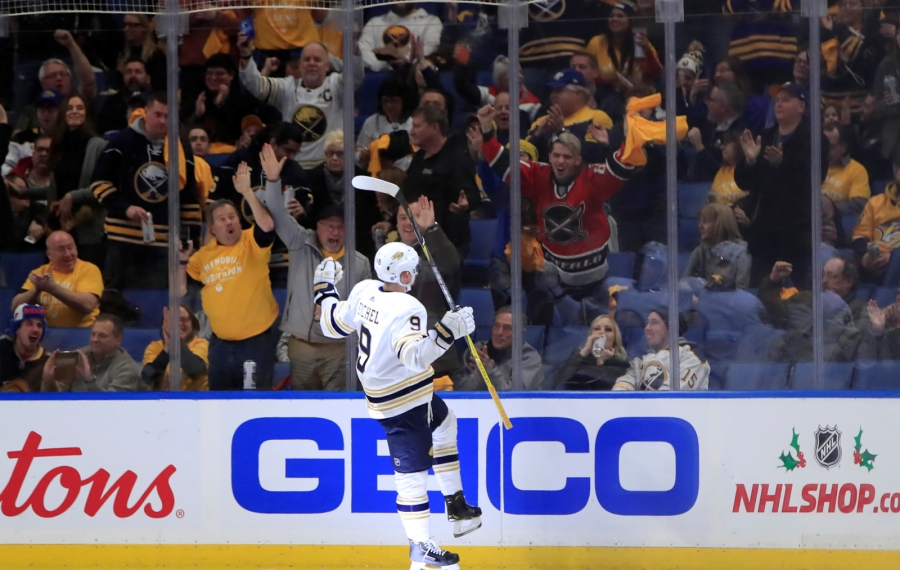 Sabres show maturity in holding off Predators for another home win